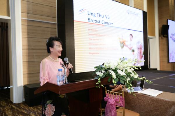500 phụ nữ tham gia tầm soát ung thư vú chuẩn Singapore