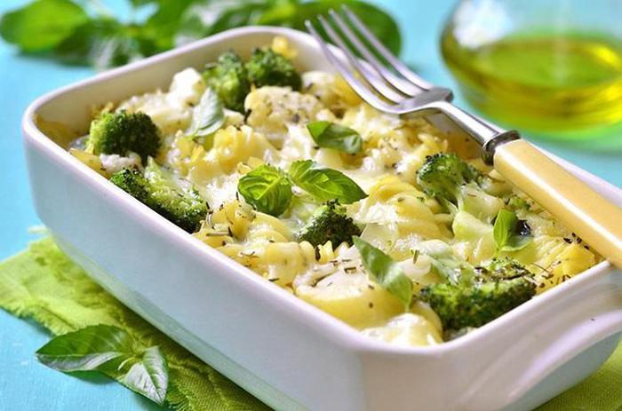 Thức ăn được chế biến từ bông cải xanh